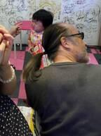 浜田ブリトニーの夫・いわみん、プレゼントを貰った娘が半ベソ状態に「寄り道して良かったね」