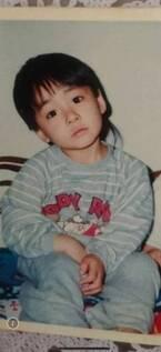 小林麻耶さんの夫・國光吟さん、子ども時代の写真を公開「可愛い」「小さい頃から美形」の声