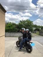花田虎上、8年ぶりに妻と2人乗りでバイクデート「気持ちの良い季節になって来ました」