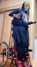 """猪狩ともか、""""立てる車椅子""""に挑戦「身長170cmくらいになった」"""