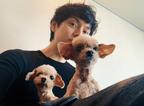 """水嶋ヒロ、愛犬との""""アフロ""""3ショットに「ほのぼの」「可愛い」の声"""