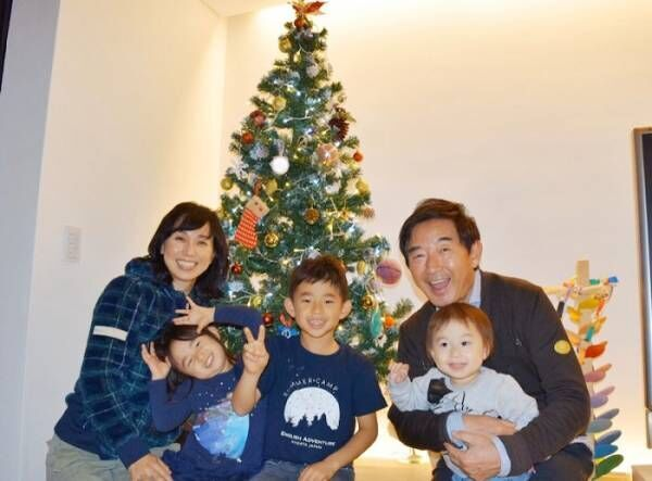 東尾理子、10回目の結婚記念日を報告「家族みんなで居る事の方が喜びと幸せを感じられました」