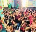 デヴィ夫人、ロヒンギャの難民キャンプを訪問「世界の不平等を感ぜずにはいられませんでした」