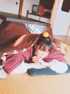 """大友花恋、""""こたつでミカン""""写真を公開に「心が癒される」「超絶可愛い」の声"""
