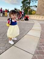 浜田ブリトニー、白雪姫姿の娘の写真を公開「かわいー!」「天使」の声