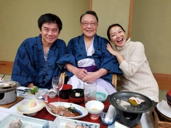 """羽田美智子、""""大大大好きなお父さん""""伊東四朗との密着ショットを公開「世界で一番尊敬する役者さんです!」"""