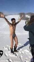 小島よしお、マイナス5℃の雪山で海パン姿に「当初の予想よりも風が強く吹雪状態」