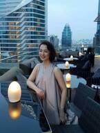 """河野景子さん、バンコクのバーで撮影した""""マダム風ショット""""に「美しい」「綺麗」の声"""