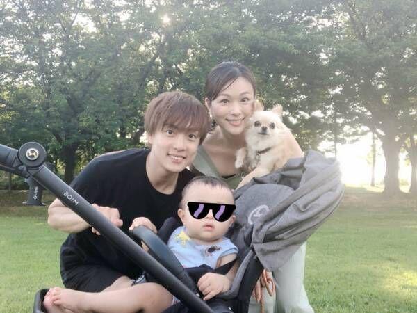 本田朋子アナ、結婚記念日を迎え「のんびりと公園でお散歩」