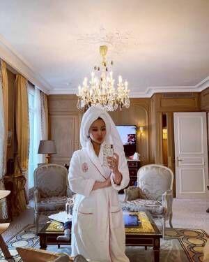 窪塚洋介の妻・PINKY、パリ滞在で宿泊したホテルを紹介「兎に角素敵で素晴らしい」