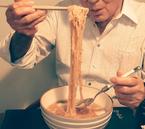 高橋英樹、夜食のフカヒレ入りラーメンを公開「美味しそう!」「しあわせですね」の声