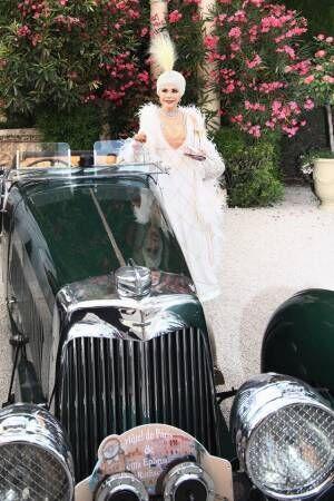 デヴィ夫人、貴族の別荘での豪華パーティーの様子を紹介「集まったのは350名の選ばれた セレブの方々」
