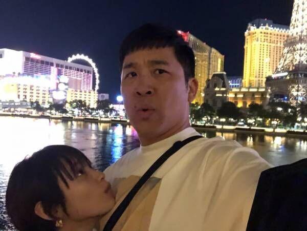 あべこうじ、妻・高橋愛との密着ショットを公開「またこようね?」