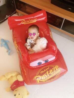 保田圭、息子がお気に入りのビニールボート「家事がしやすくなってありがたい」