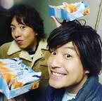 """香取慎吾のものまね芸人、""""新しい地図""""のチーズケーキを食レポ「本当に美味しい」"""