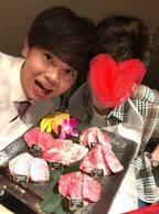 長男・菅田将暉の誕生日会で焼肉へ「家族食事は良いミーティングタイム」