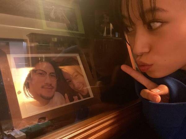 高橋ユウ、実家で夫・卜部弘嵩選手との結婚前の写真を発見「家族が増えたなぁ」