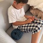 中川パラダイスの妻、7歳の息子が編み物に挑戦「冬までにマフラーと帽子出来るといいね」