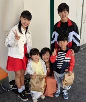 鈴木福、兄弟4人で小島瑠璃子との記念写真を公開「すっかりお兄さん」「胸キュンウルウル」の声