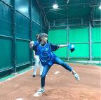 hitomi、人生初の始球式を報告「こう見えて、ド緊張」
