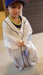 小原正子、夫・マック鈴木のユニフォームを着た長男の写真を公開「可愛すぎる!」「かっこいい」の声