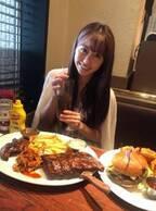 ももクロ・佐々木彩夏、両親とレストランでランチ「いつも佐々木家が頼むのは」