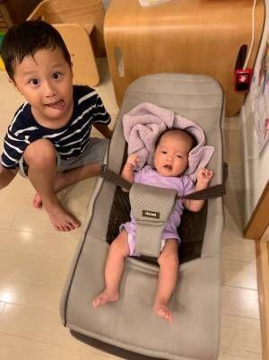 マック鈴木、4歳の長男が泣いている妹をあやす姿に「お父さん  涙出る~」