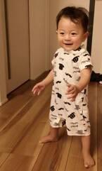 蛯原英里、初めて1人で立ち上がった10か月の息子「この表情 かっこいーーーー(笑)」