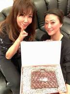 小川菜摘、友近&ハリセンボン春菜からの誕生日祝いに感謝「2人はやっぱりお笑いが大好き」