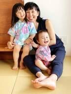 東尾理子、娘達がお揃いの甚平で花火鑑賞「日本の夏を感じます!!」