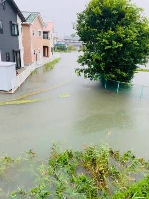 はなわ、佐賀市にある自宅の大雨被害を報告「家の裏の用水路は完全に氾濫」