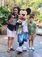 市川右團次、ハワイのアウラニディズニーで最高のランチ「ミッキーとパチリ!」