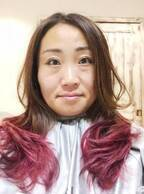 キンタロー。髪を赤くイメチェンするも「試合を控える女子プロレスラー」