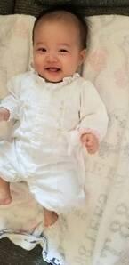 小原正子、白いベビー服の娘を見て想像したことに「笑ってしまった」「気持ち分かります」の声