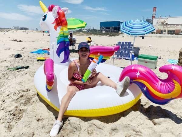 テラハ智可子、ビーチで水着姿を披露「全身真っ赤になりました」