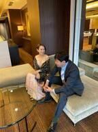 高橋愛、スナックのママ感のある写真を公開「オトナなママ感は 出せませんでした」