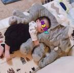 矢口真里、抱き枕で熟睡する息子の姿を公開「メロメロ」「もうイケメン」の声