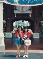 西村知美、渡辺美奈代と双子コーデでTDLへ行った思い出「お家に遊びに行って手料理をご馳走に」