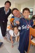 東尾理子、長男・理汰郎くんが7歳の誕生日を迎え「家族と仲良しが集まってお祝い」