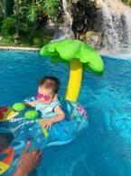 保田圭、グアムで息子が初めてのプール「風邪引かせちゃわないかなぁ」