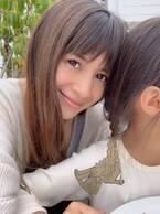 吉川ひなの、娘とカフェデートしイチャイチャ2ショット「娘をハグしまくり」