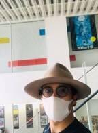 稲垣吾郎、プライベートで変装して映画鑑賞へ「逆に目立ってるよ笑」「怪しすぎ」の声