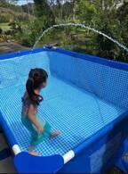 蛯原英里、庭に設置した自宅プールで遊ぶ子ども達「なかなかの大きさです」