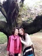 森口博子、82歳の母とのお花見2ショットに「美しい」「可愛らしい」の声