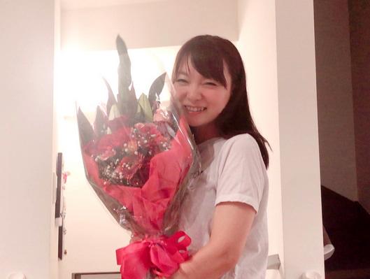 保田圭『母の日』に花束と料理を用意してくれた夫「もう…感激です」