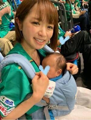 紺野あさ美、子ども達とユニフォームを着て夫を応援「新鮮」「カワイイ」の声
