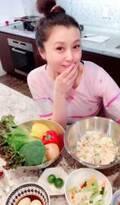 藤原紀香、豪華な重箱弁当を作る自撮りショットを公開「広島行って金粉買ってきた」
