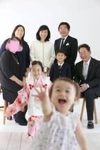 東尾理子、スタジオで初めて撮った家族写真「素敵」「良い笑顔」の声