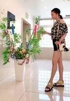 藤原紀香、ショート丈コーデで美脚を披露「素敵すぎ」「釘付け」の声