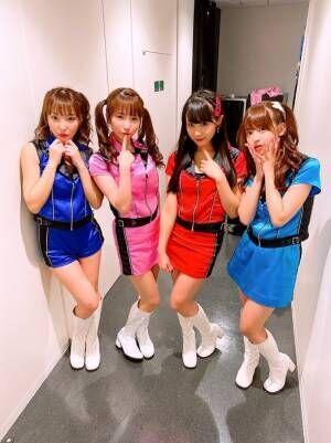 もえあず、恵比寿マスカッツの衣装で集合ショット「ピンク色うれしい」